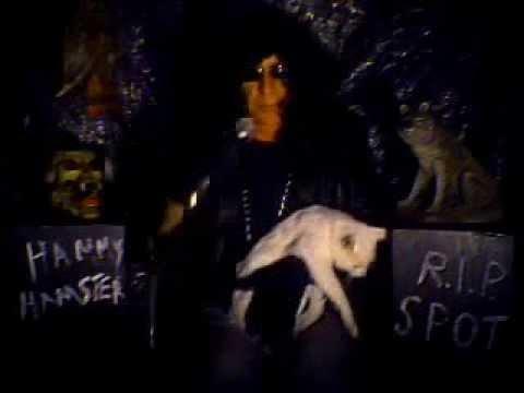 Pet Sematary by alien   ..karaoke