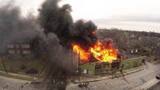 Repeat youtube video McGraw and Cicotte Building Fire (Detroit, MI) 3/29/15