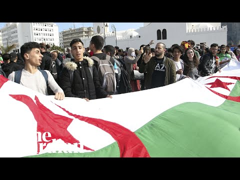Thousands of Algerian students protest against president