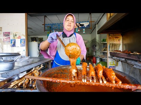 Amazing Thai Food – UNSEEN Coconut Milk BBQ Chicken in Thailand! ไก่กอและที่อร่อยที่สุดในโลก