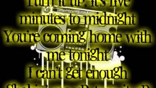 Boys Like Girls - 5 Minutes to Midnight (lyrics)