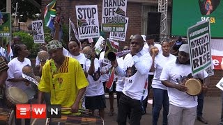 Save South Africa  campaign gathers in Pretoria to discuss plan of action to hold public servants account to oaths and pledges they promised made to uphold then taking up office.  Click here to subscribe to Eyewitness news: http://bit.ly/EWNSubscribe  Read full article on Eyewitness news: http://ewn.co.za/2016/11/02/sipho-pityana-calls-on-south-africans-to-root-out-corrupt-officials   Like and follow us on: http://bit.ly/EWNFacebook AND https://twitter.com/ewnupdates   Keep up to date with all your local and international news: https://ewn.co.za    Produced by: Kgothatso Mogale