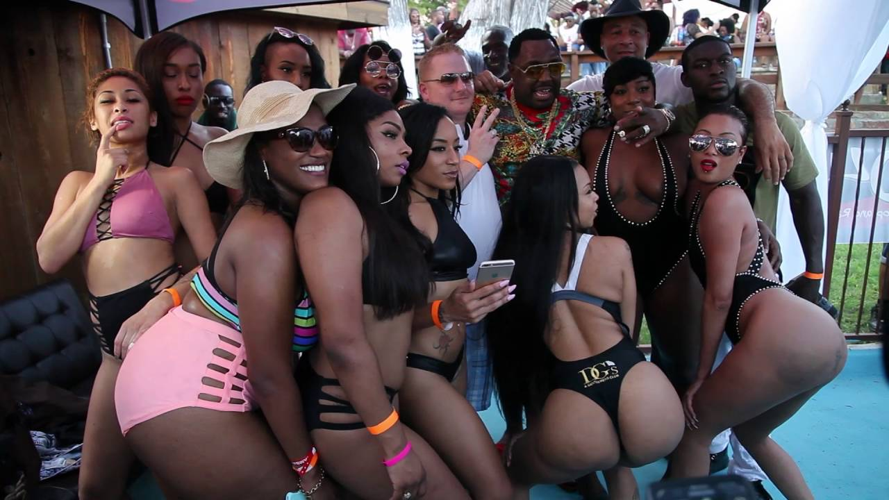 black-girls-pool-party-world-hot-sexy-smoking-girls