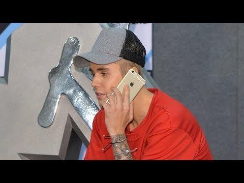 Calling Justin Bieber!! (He answered twice!!!!) להורדה