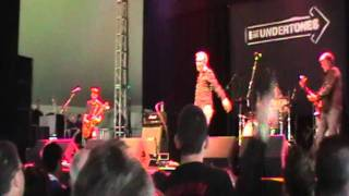 The Undertones - Teenage Kicks & Thrill Me. Electric Picnic 2011
