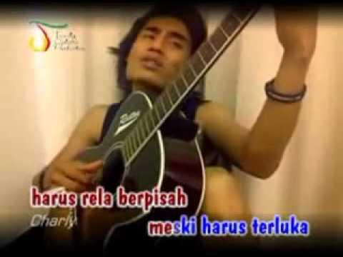 Charly ST 12   Hati Yang Terluka Live + Lyrics   YouTube