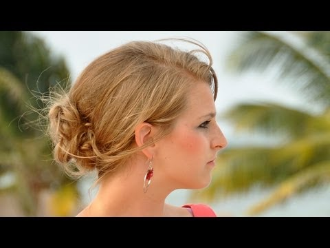Taylor Swift Side Bun Prom Updo - How To Do A Side Bun
