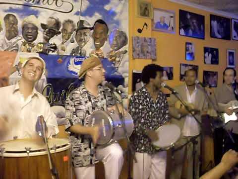 Quinteto em Branco e Preto faz Pout porri de LC da Vila - instagram.com/sambacidade/