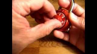 Masterlock Combination Padlock - Crack Open in 40 seconds without Combination. Easy and Quick