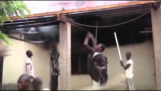 Raw: Mob Smashes Central African Republic Mosque