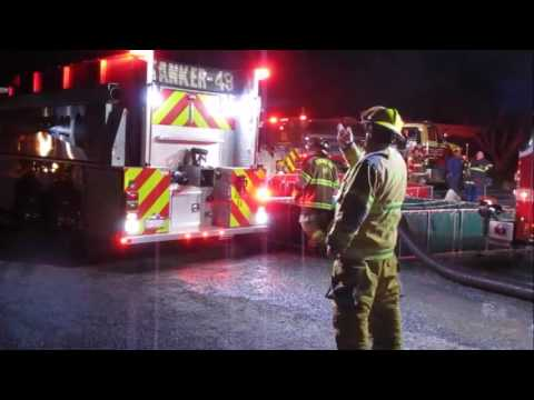 Pallet Fire Newville March 2 2017 HD