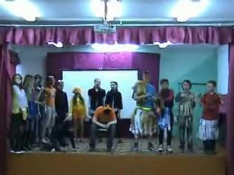 The_Lion_sleeps_tonight_2013_ 5а_school_14_Shakhunya