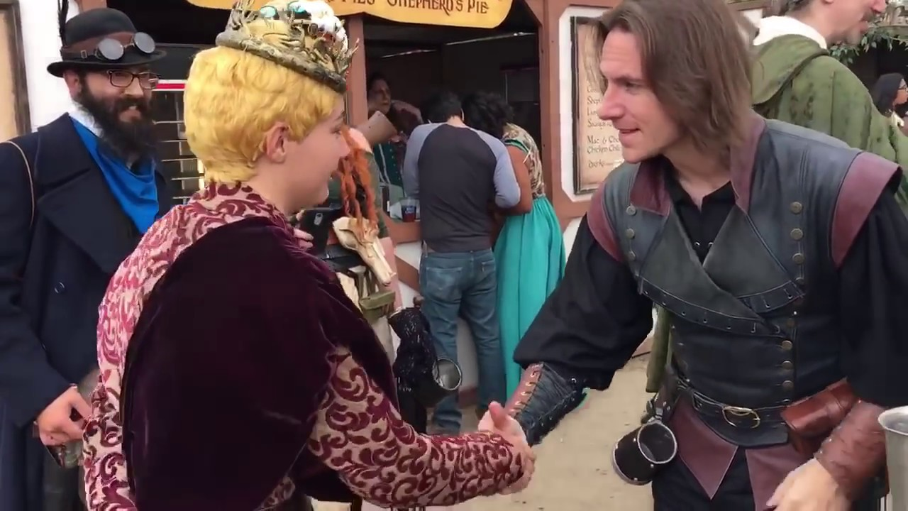 Meeting Matt Mercer In Full Joffrey Cosplay Youtube
