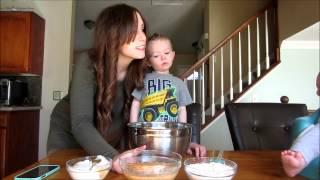 Vlogtober Day 11 - Pumpkin Pancakes & Apple Cider Syrup
