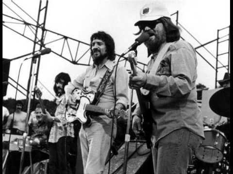 Sittin' on the Dock of the Bay - Waylon Jennings & Willie Nelson