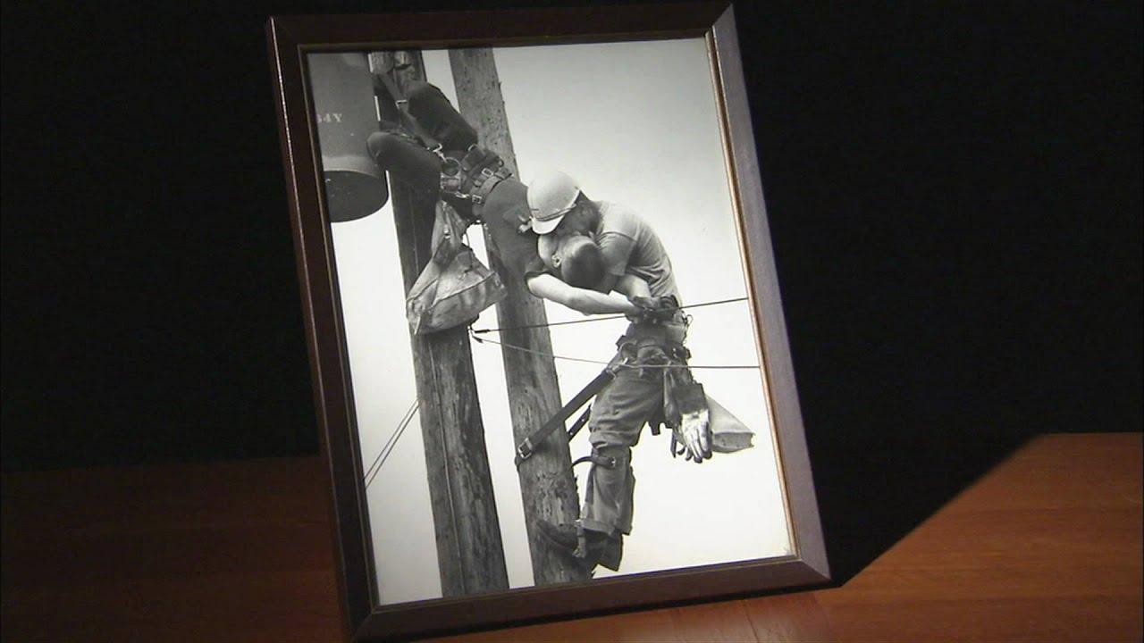 Αποτέλεσμα εικόνας για Το φιλί της ζωής σε υπάλληλο ηλεκτρικής εταιρείας που χτυπήθηκε με 4.000 βολτ