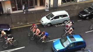 Naked day in briughton city !!!! WTF - يوم العراء في مدينه برايتون