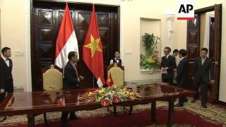Indonesian and Vietnamese FMs meet in Hanoi