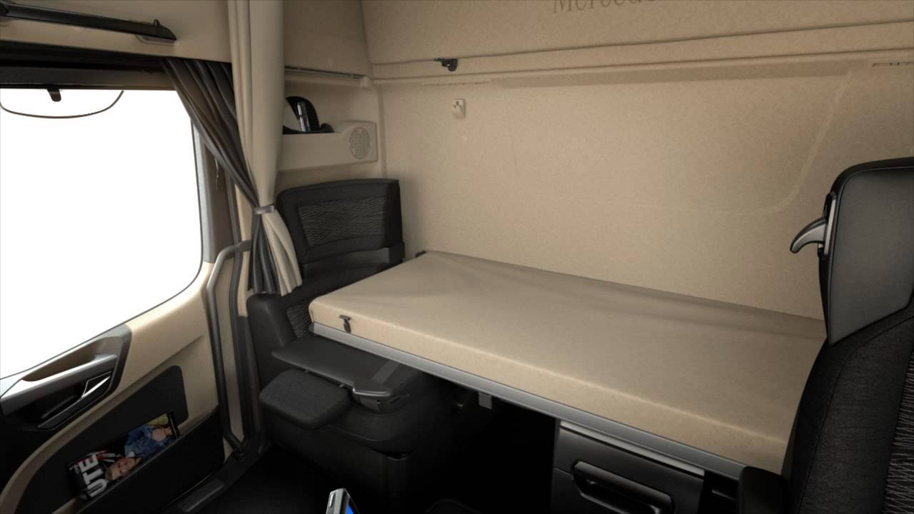 Mercedes benz actros solostar youtube for Camion americain interieur cabine