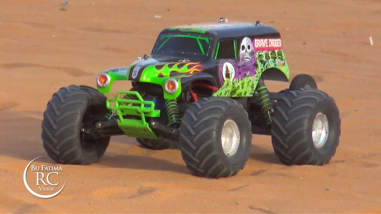 dunes Action with Traxxas 1 10 Grave Digger