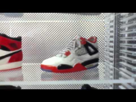 Nike 1/6th Mini Sneaker Collection with Al Bundy