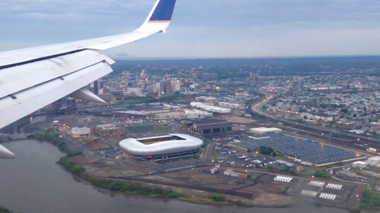 Aeroporto Newark : Newark new jersey landing at liberty