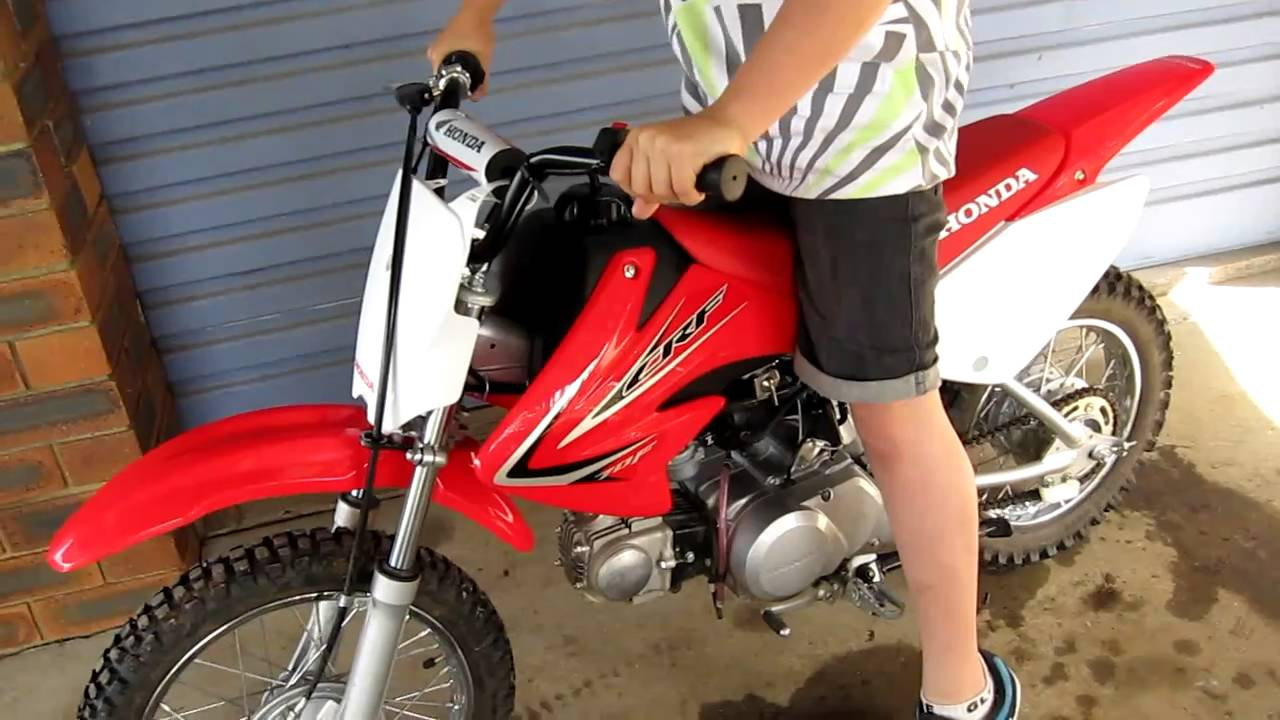 honda crf70f 2011 start up youtube. Black Bedroom Furniture Sets. Home Design Ideas