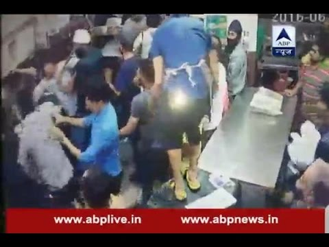 Indore: Congress supporters beat up a hotel owner over food delivery