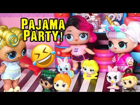 LOL Families ! Sleepover at the LOL House ! Toys and Dolls Fun for Kids Opening Doorables | SWTAD