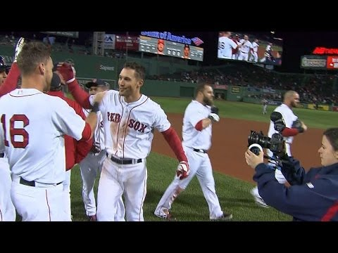 Red Sox walk off on Sizemore's single