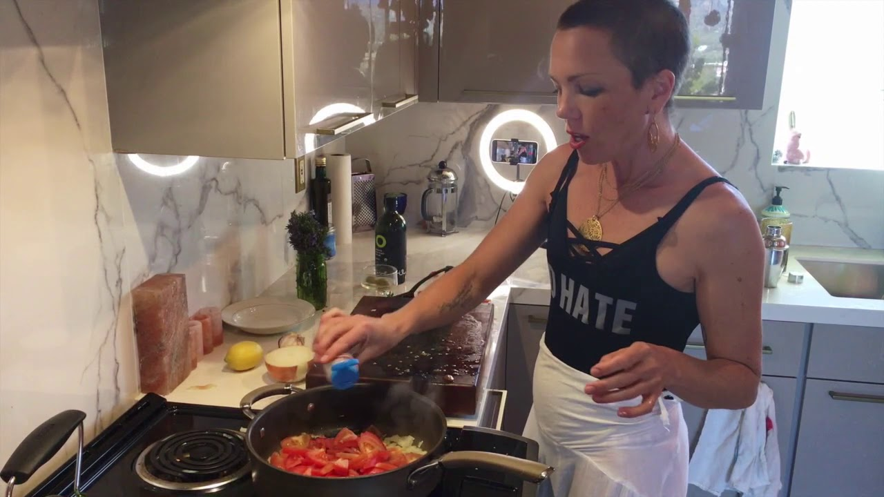 THAT QUARANTINE COOKING SHOW 3 - RED SAUCE FROM SCRATCH!