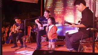 Wawa featuring Fadly Padi . With Indonesia Pusaka Song
