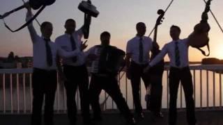 tamburaški sastav -  MELEM -   Ajde kume,čuvaj običaje (hrana bećarska)