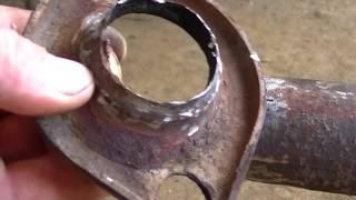 Выхлопная труба . ремонт.(Шкода Фелиция . Оборвалась выхлопная труба., 2016-06-25T21:21:48.000Z)