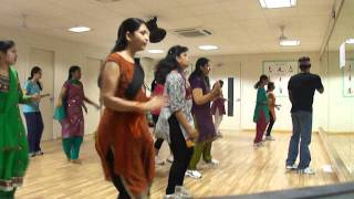 "Dance dhamaka for OOSARAVELLI "" Dhandiya "" song at Dinaz somajiguda"