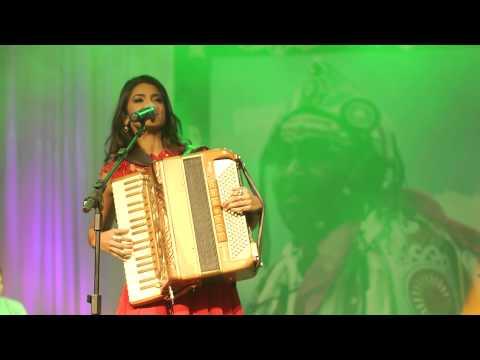 Lucy Alves - Estrada de Canindé