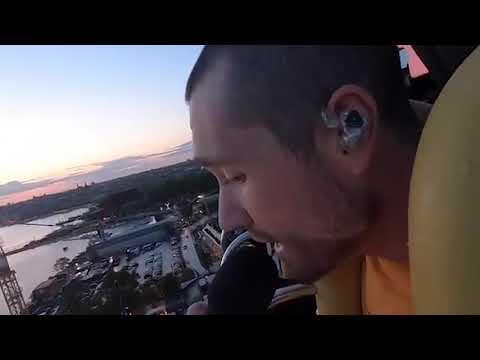 Bastille geeft optreden in freefall tower van Zweeds pretpark (Gröna Lund)