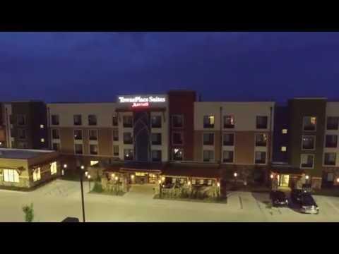 Night Flight in West Des Moines Iowa (Drone)