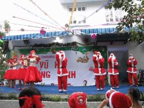 Múa Ông Già Noel