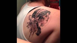 25 Awesome Shoulder Blade Tattoo Designs