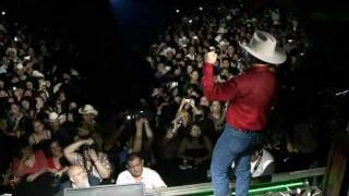 Watch Emilio Navaira Juntos video