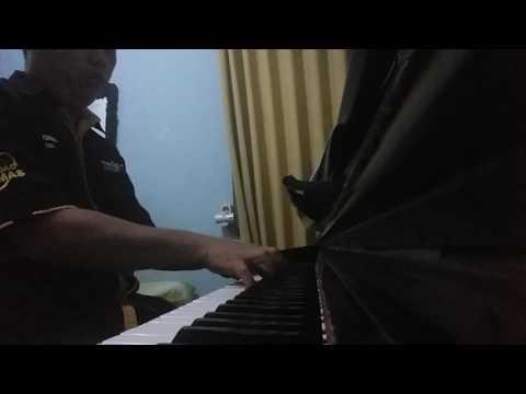 Ketika cinta bertasbih versi piano