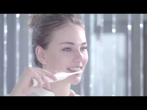 Healthier and whiter teeth with the revolutionary SonicX PRO toothbrush