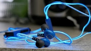 Glowing Earphones !