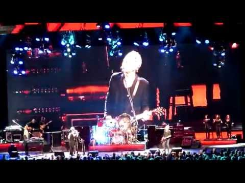 Fleetwood Mac - Go Your Own Way (live) at The Palace of Auburn Hills 10.22.14
