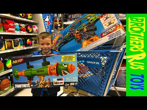 Toy Shopping At Toys R Us!