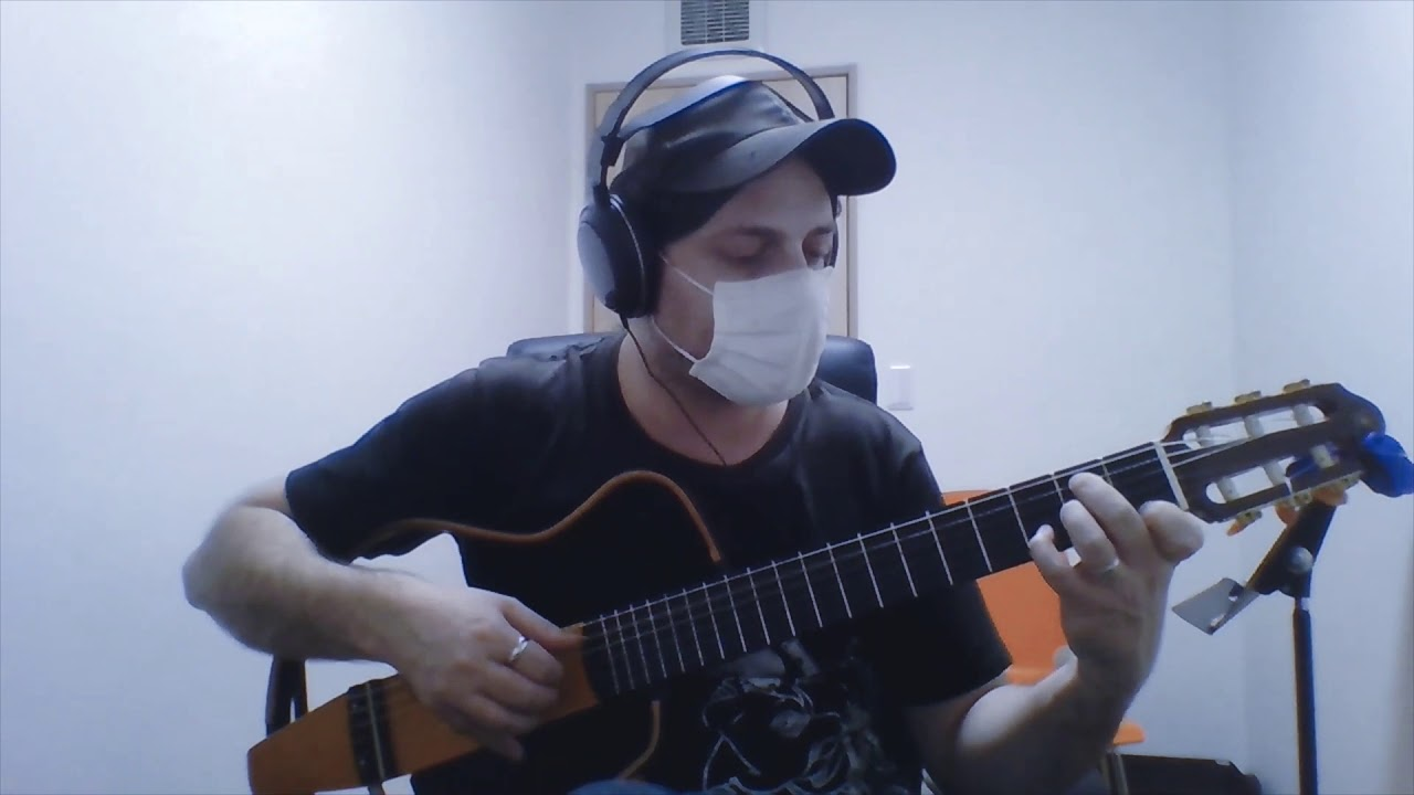 "Giovanni plays ""Manhã de Carnaval"" by Luiz Bonfá"