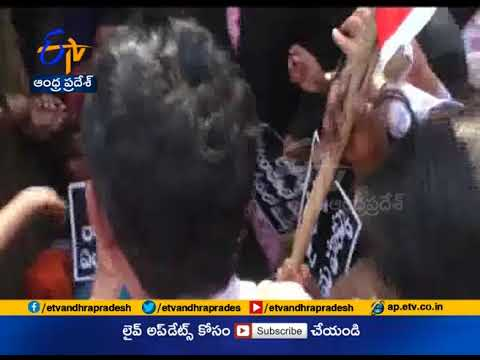 lawyers continue protest at Kurnool | Lawyers demand High Court at Kurnool