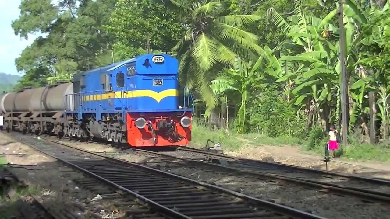 Polgahawela Sri Lanka  city pictures gallery : Sri Lanka Railway Class M10 Diesel Electric Locomotive clagging into ...