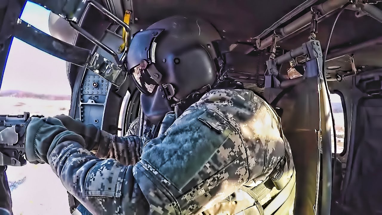 US Soldiers – UH60 Blackhawk Helicopter Door Gunnery Training